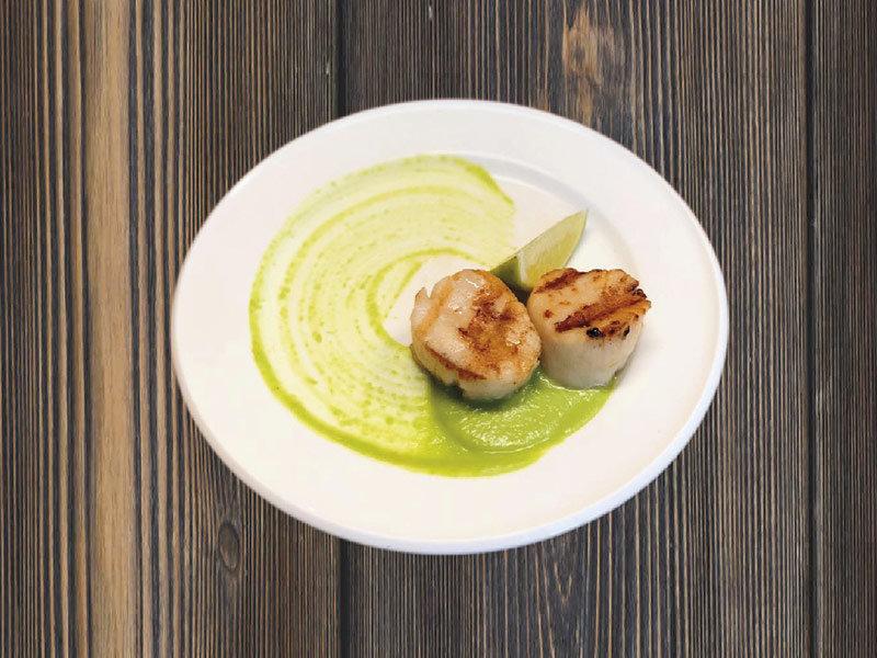 帆立貝やグリーンピースのソース