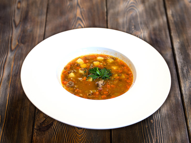 Суп из мяса барашка и чечевицы